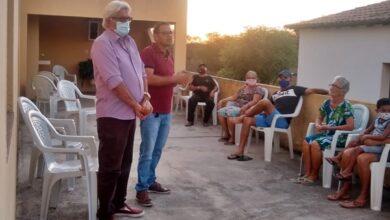 paulo encontro 390x220 - Poço José de Moura: Prefeito Paulo Braz se reúne com moradores de comunidade rural.