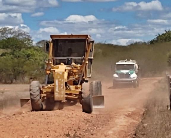 recuperacao1 - Poço José de Moura: Prefeitura realiza trabalho de restauração das estradas vicinais do município