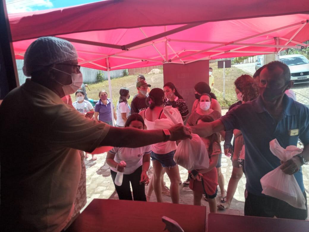 refeicao - TÁ NA MESA: Programa alimentar que fornece almoço a 1 real começa a funcionar em São João do Rio do Peixe