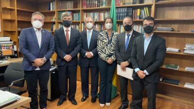 reuniao 1 390x220 - Wellington Roberto e Bruno Roberto se reúnem com ministro Paulo Guedes para tratar da Reforma Tributária