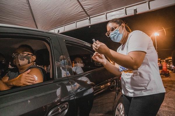 vacina - Patos vacinou 2.236 pessoas com 45 anos ou mais em pontos descentralizados e no Drive-thru do último sábado