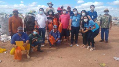 LUIZ SJRP 390x220 - SÃO JOÃO DO RIO DO PEIXE: Prefeito Luiz Claudino participa de entrega de kits aos trabalhadores de reciclagem