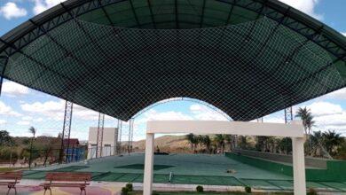 protecao2 390x220 - Monte Horebe: Prefeitura instala proteção em Quadra Poliesportiva na zona rural do município.