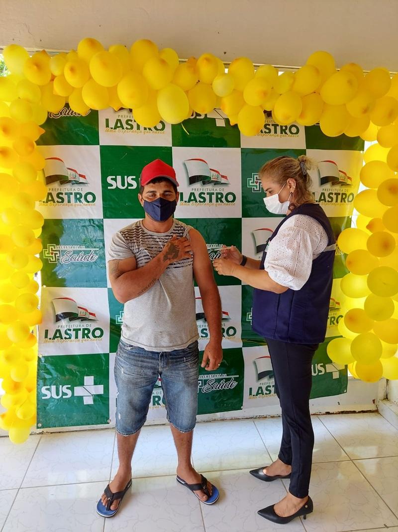 """LASTROD3 - Prefeitura de Lastro realiza com sucesso """"Dia D"""" de vacinação 18+ contra a Covid-19"""