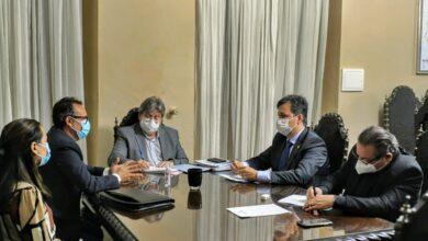 joao e gov 390x220 - Prefeito João Cléber participa de audiência com Governador João Azevedo e Deputado Júnior Araújo em busca de novos investimentos para o município.