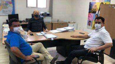 luiz 1 390x220 - Prefeito Luiz Claudino mantém audiência com secretário de saúde do estado e recebe sinal verde para convênio com Hospital de São João do Rio do Peixe