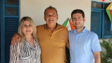 prefeito 390x220 - Cunhado da Deputada Dra. Paula anuncia apoio a pré-candidatura de Michel Henrique em Salgado de São Félix