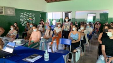 naza 390x220 - Nazarezinho realiza formação sobre o ensino híbrido e na oportunidade homenageou os professores pelo seu dia.